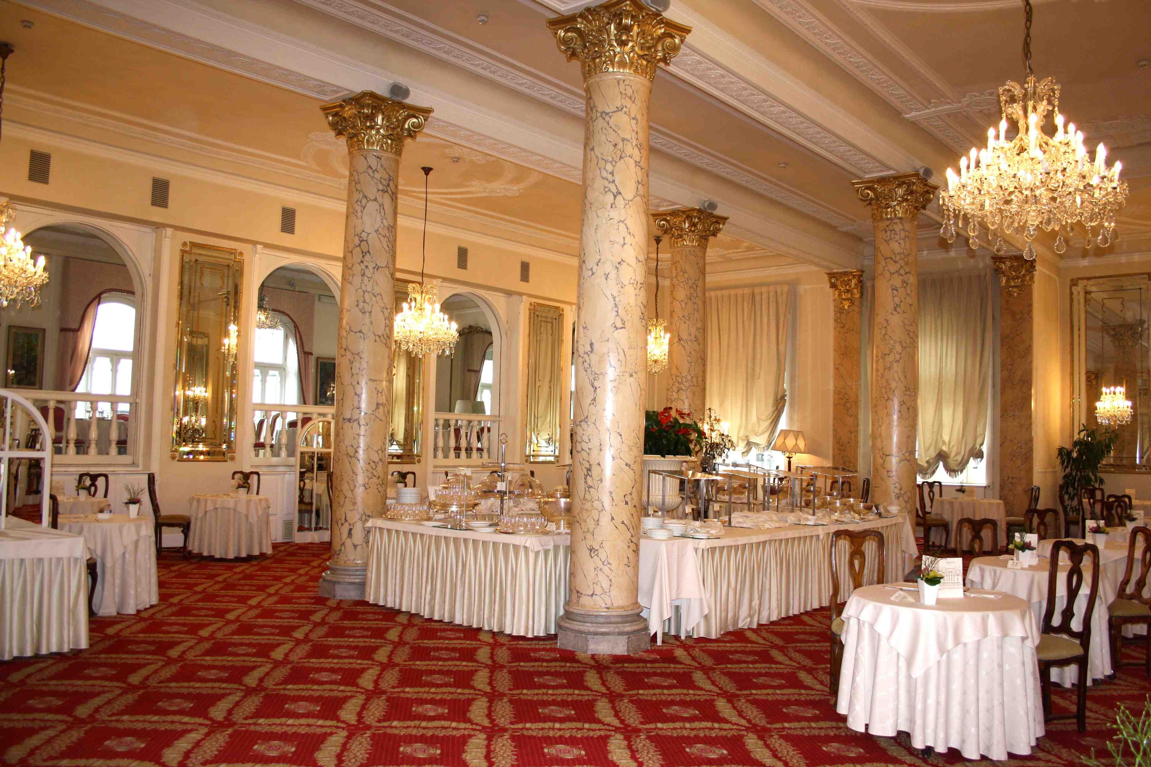 lampadari rimini : special weekend@Grand Hotel Rimini Le Jour du Oui